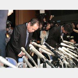 「はれのひ」の篠崎社長は記者会見を開いたが……(C)日刊ゲンダイ
