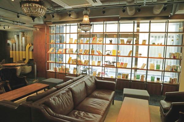 ビジネスのヒントになる書籍がズラリ(C)日刊ゲンダイ