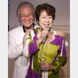 菅原洋一さんとペギー葉山さん(社)日本歌手協会提供