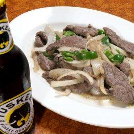 【ビーフテプス(肉野菜炒め)】味の決め手はニンニク