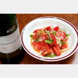 合う酒=白、スパークリングワイン(C)日刊ゲンダイ