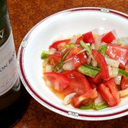 【トマトと玉ネギのサラダ】コツはフレッシュなレモン汁