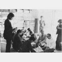 74年12月の将棋会の光景(提供写真)