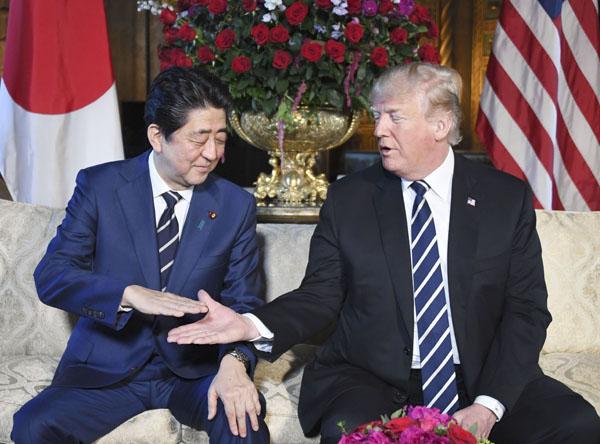 安倍首相とトランプ大統領(C)共同通信社