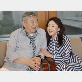 中尾彬さんと池波志乃さん(C)日刊ゲンダイ