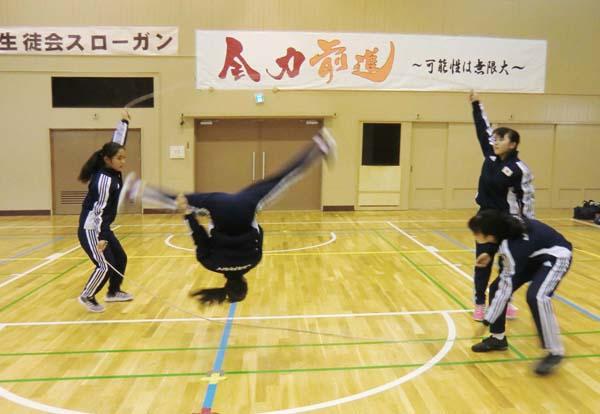 技 ダブル ダッチ ジャンパー必見!ダブルダッチの上手な跳び方と上達のコツ
