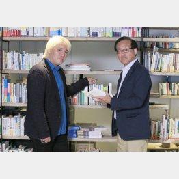津田大介氏と二木啓孝氏(C)日刊ゲンダイ