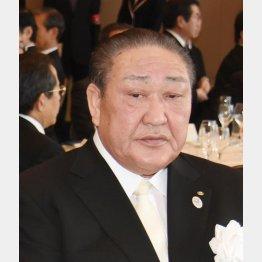 闇は晴れない(田中理事長)/(C)日刊ゲンダイ