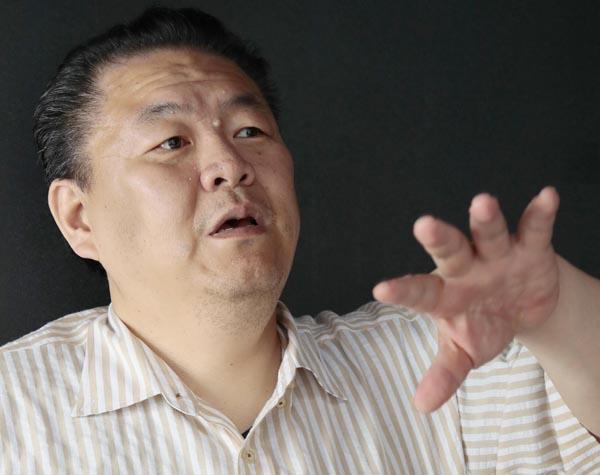 鎌苅さんはギャンブルで総額5億円負けたという(C)日刊ゲンダイ