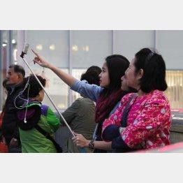 訪日外国人の数は増えている(C)日刊ゲンダイ