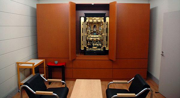 公開刑場の「教誨室」(東京拘置所・法務省提供)