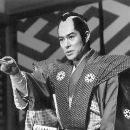 「大岡越前」に出演する加藤剛さん