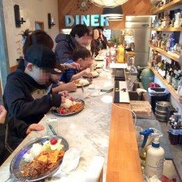 飲み屋街 新宿ゴールデン街で「こども食堂」開催のなぜ?
