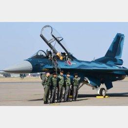 退役する「F2」戦闘機(C)共同通信社