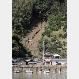 宇和島市の土砂崩れ現場(C)共同通信社