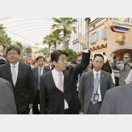 2014年5月のシンガポールのカジノ視察(C)共同通信社