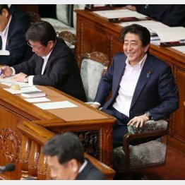 憲政史上最悪の国会(C)日刊ゲンダイ