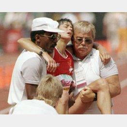 1984年ロス五輪女子マラソンのアンデルセンはフラフラでゴール(C)共同通信社