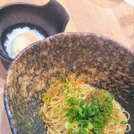 「キング軒 銀座出張所」汁なし担々麺は広島式がうまい
