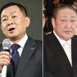 会見する関東学連の柿沢理事長(左)と日大田中理事長