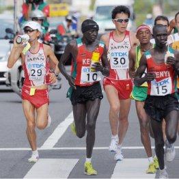 07年の世界陸上大阪大会男子マラソンは85選手のうち28選手が棄権した(C)共同通信社