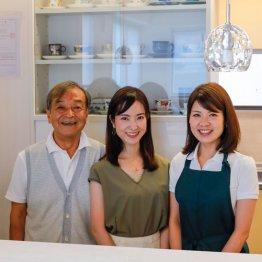 新小川町「茶房・はちはち」 一流機内サービスが味わえる