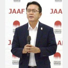 謝罪した日本陸連の瀬古リーダー(C)共同通信社