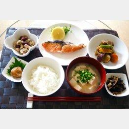 日本人らしい食生活に(C)日刊ゲンダイ