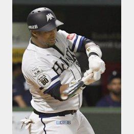サヨナラ満塁本塁打を放つグラシアル(C)共同通信社