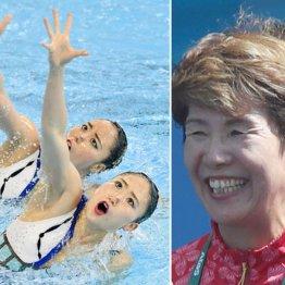 急造ペアの乾・吉田組と(左)井村コーチ