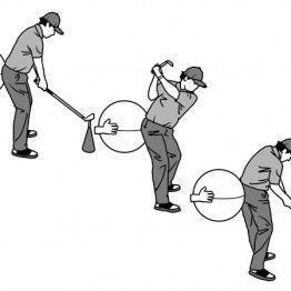 インパクトで左のお尻を後ろに突き出すと前傾角度がキープできる
