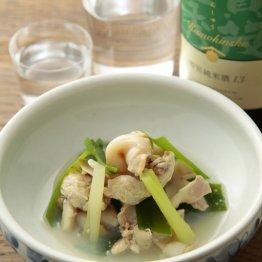 【蛤と九条葱のさっと煮】貝は生のまま割るのが正解