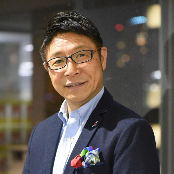 辻よしなりさん(C)日刊ゲンダイ