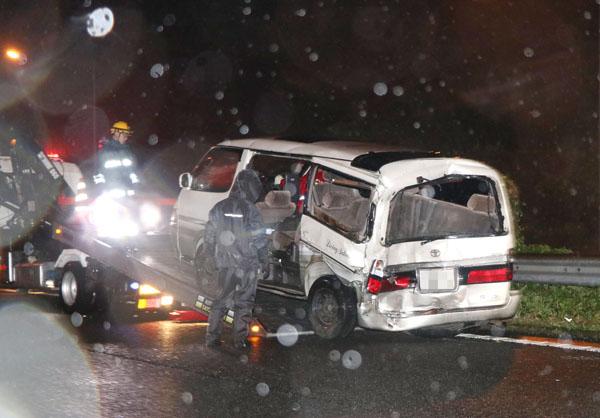痛ましかった東名高速の事故(C)共同通信社
