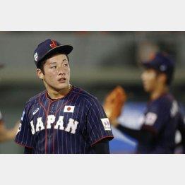 吉田は「投球フォームが崩れていた」とうなだれた(C)共同通信社
