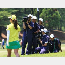 女子ツアーは来季試合減少の危機も(C)日刊ゲンダイ