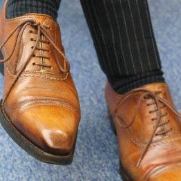 スーツには紐靴、営業は外羽根…革靴にもドレスコードが