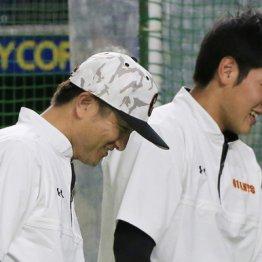 由伸監督(左)と岡本
