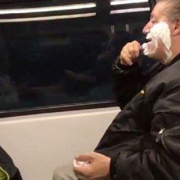 列車内でヒゲそり男性を襲ったネットの悪意が一転したワケ