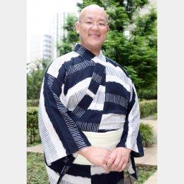 相撲甚句を歌う歌手としても活動(C)日刊ゲンダイ