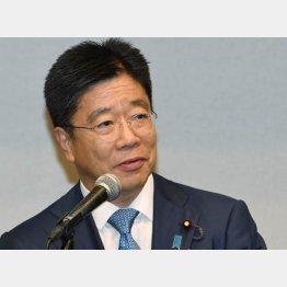 ゴッドマザーが協力プッシュ?(加藤総務会長)/(C)日刊ゲンダイ