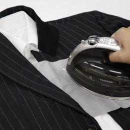 まるで新品に蘇る 安価なスーツを高そうに見せる簡単ケア