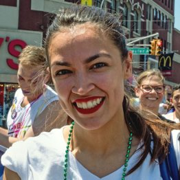 米に史上最年少の女性議員誕生 日本の野党が学ぶべきこと
