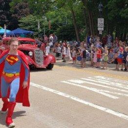スーパーマンがホームレス危機…窮地を救った地元民の愛情