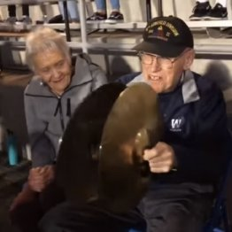 94歳男性がやり残した夢…高校のブラバンで演奏デビュー!