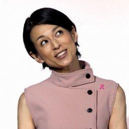 月9「SUITS」で高評価 鈴木保奈美の豪華衣装と着こなし方