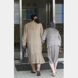 病院代が高くなる…(写真はイメージ)/(C)日刊ゲンダイ