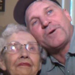 """米の山火事から93歳女性を救出した""""ヒーロー""""の意外な本音"""