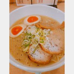 京都鶏ガラとんこつ醤油ラーメン 半熟味玉トッピング(提供写真)