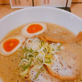 京都鶏ガラとんこつ醤油ラーメン 半熟味玉トッピング